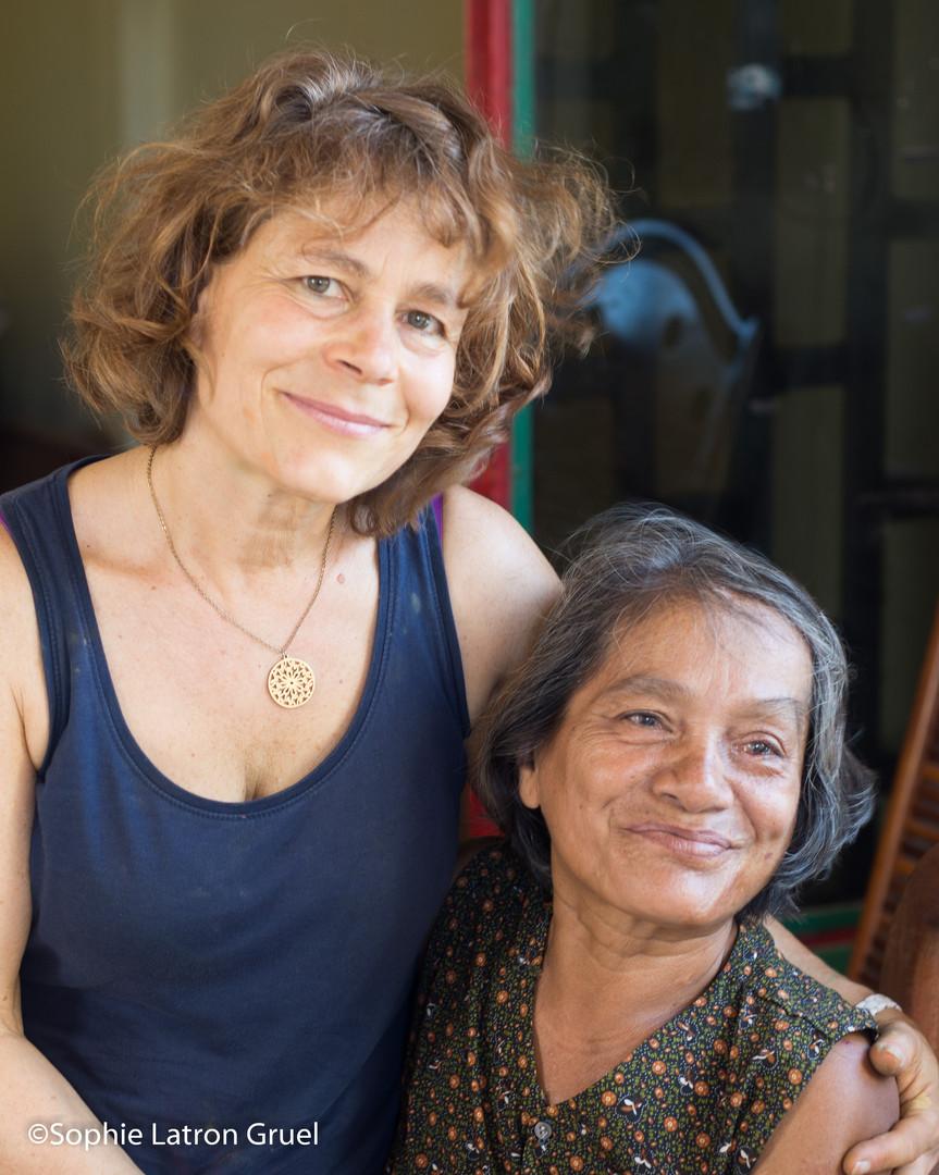 Séance d'art-thérapie au Cambodge, quelque soit l'âge !