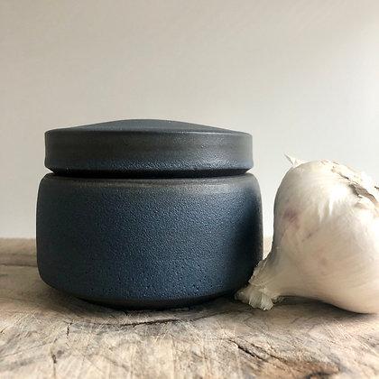 lidded pot - medium