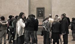 Everyone ignoring the Mona Lisa