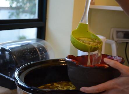 מרק ירקות עם חלב קוקוס