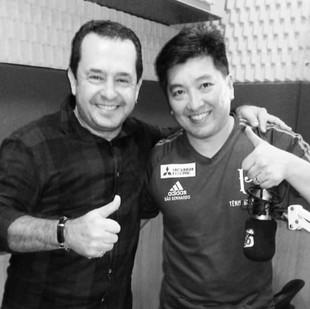 O campeoníssimo #hugohoyama passou a semana em Porto Velho; dando aulas de tênis de mesa e cidadania. Gente do bem. Passou pra falar com os #dinos do #papoderedação na TV e na #parecisfm
