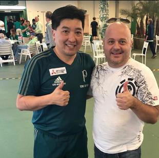 Que alegria encontrar este grande atleta olímpico brasileiro e palmeirense #hugohoyama #pingpong #tenisdemesa #palmeiras #sep #porco #verdão #clubesocial