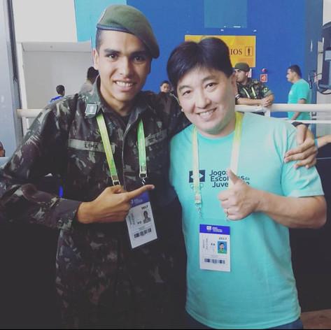 uma honra conhecer esse mito das olimpíadas #HugoHoyama