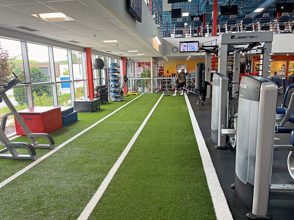 Gym floor and equiptment at Echelon Health & Fitness in Voorhees, NJ