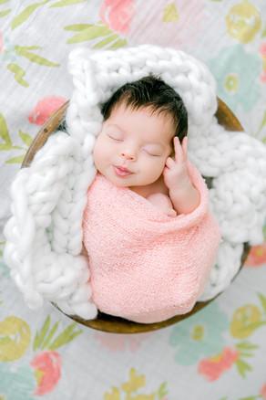 Newborn Tessa (86).jpg