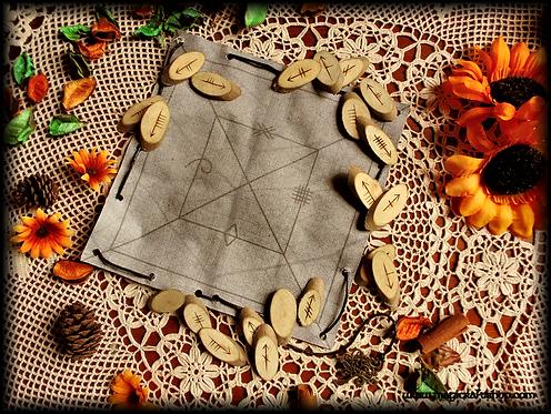 Celtic Ogham divination micro set in natural wood and bag/divination cloth