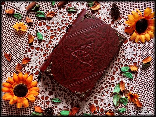 TRIQUETRA Book of Shadows - MEDIUM size 22x16 cm