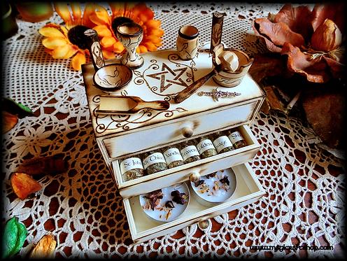 Herbal Wicca witch altar box