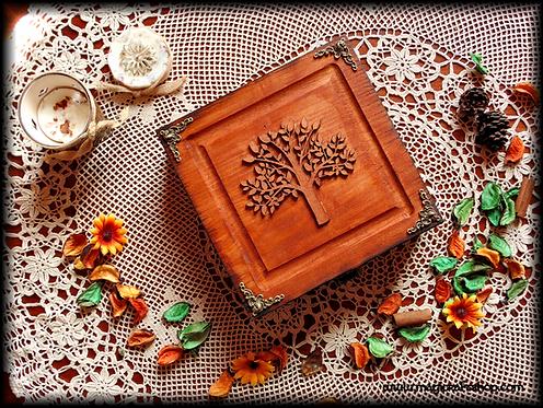 TREE OF LIFE wooden box - 20x20x6 cm