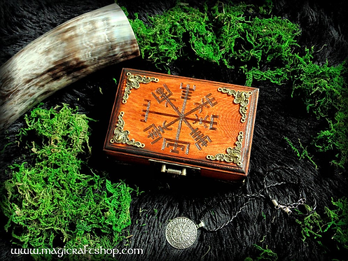 Vegvisir wooden box + necklace - small size 14x5x9 cm