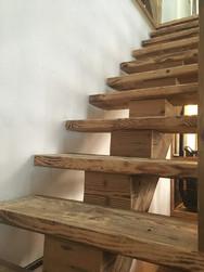 Old Wood central stringer
