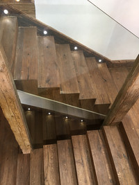 oak staircase with glazing center