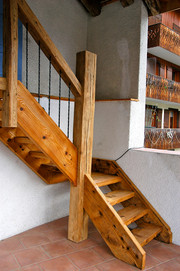 Old wood stair case Le Boit