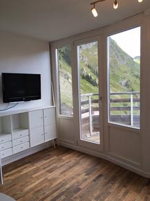 Avoriz window replacement