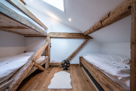 Apartment renovation Morzine - Bunk beds and flooring