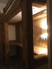 Bed and desk Morzine