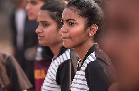 Equipos femeninos en el evento de inauguración de la cancha de Pune