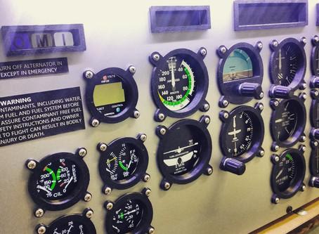 5 vantagens do treinamento paralelo em simuladores de voo.