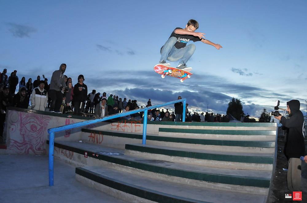 MAXI ALVAREZ flip.jpg