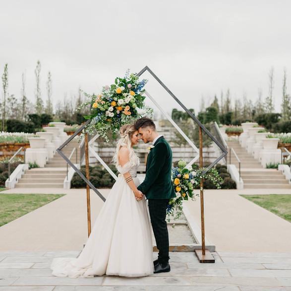 Ashley + Ashkan | Tulsa Botanic Gardens | Wendy Bobarikin Phototography