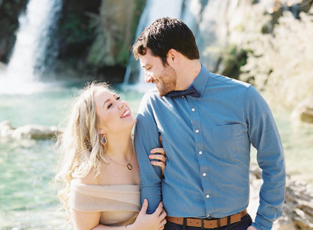 Engagement Photos - A Photographer's Tips on What to Wear!
