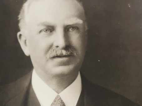 1923: Sir Henry Holloway