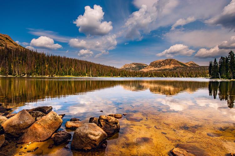 Utah Mountains and Lake