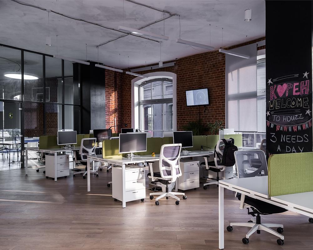 освещение опенспейса офиса