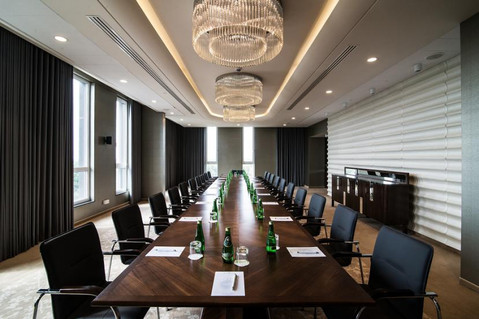 Хрустальные люстры для конференц-зала