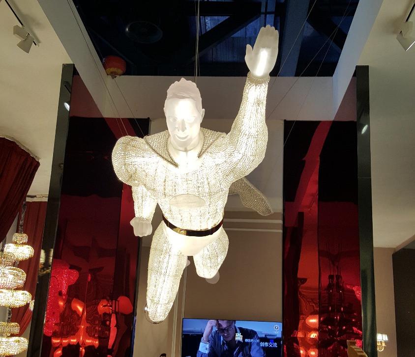 Светильник супермен на выставке Guangzhou Design Week-2016