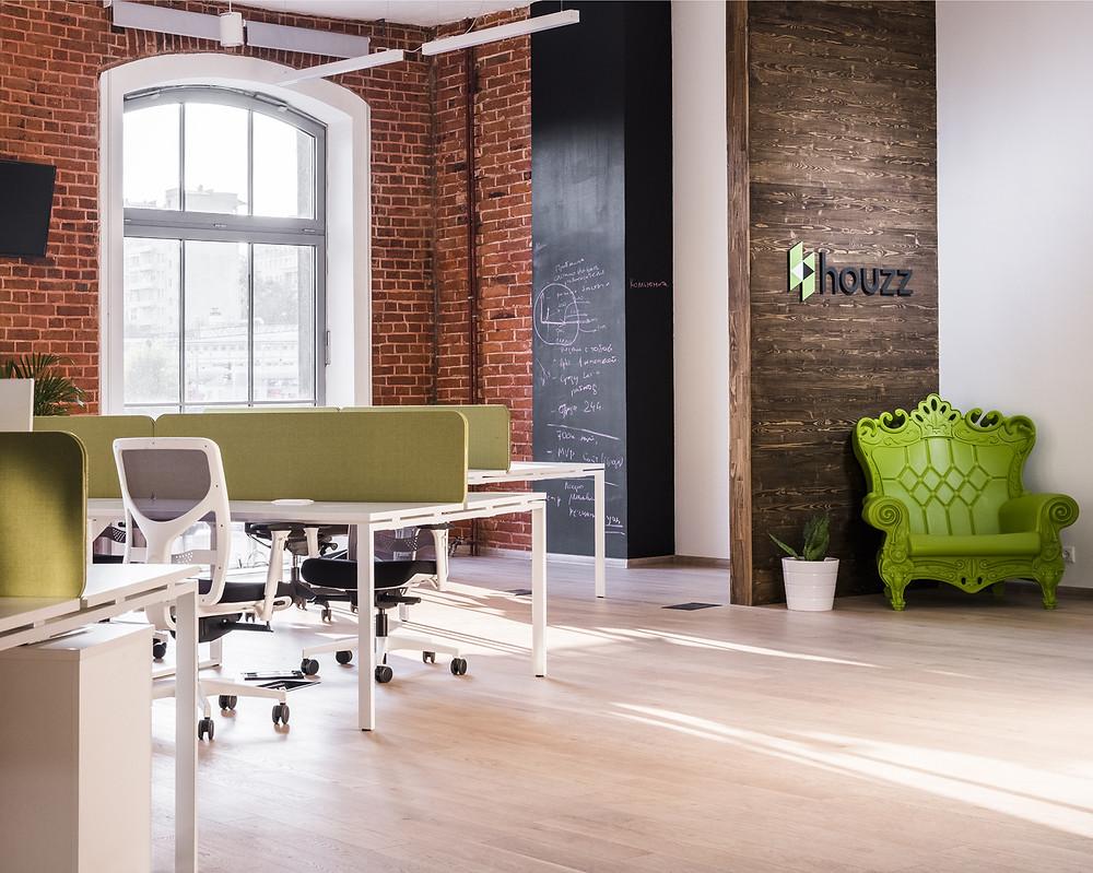 Освещение опенспейса в офисе Houzz Russia