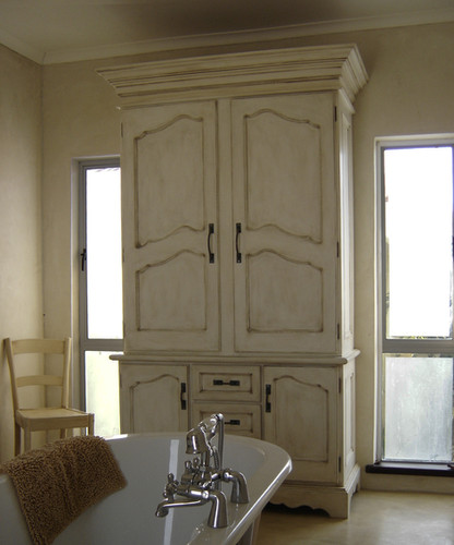 French Style Linen Cupboard