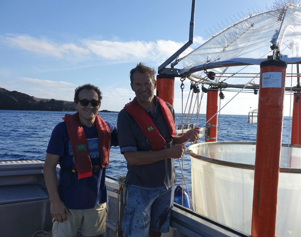 Ulf Riebesell & Javier Arístegui working with mesocosms
