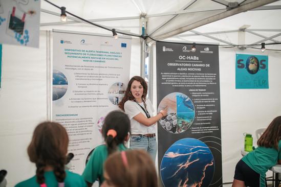 Scientific outreach at a science fair