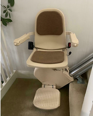 Acorn/ Brooks 120 reconditioned straight stairlift