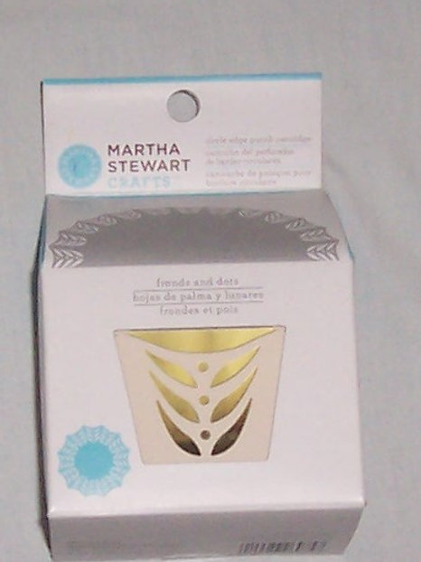 EK Success Martha Stewart Crafts Circle Edge Punch Cartridge Fronds and Dots