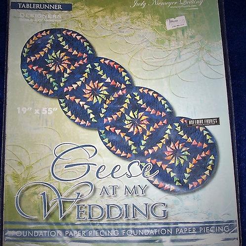 """Geese At My Wedding Judy Niemeyer Pattern Tablerunner 19""""X55"""""""