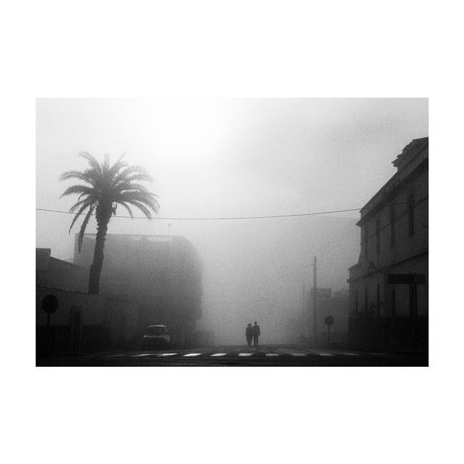 FoggyWhiteStripes03_BW_SidiIfni_Morocco_