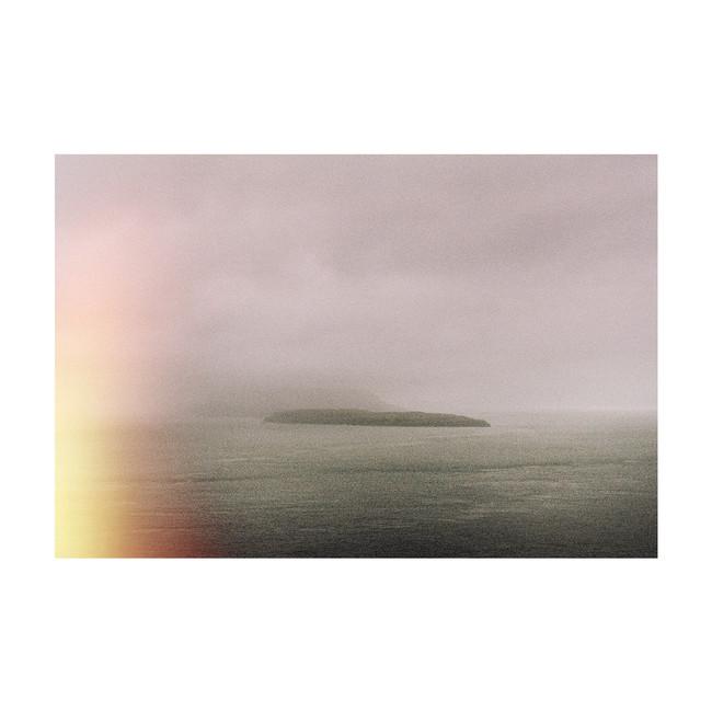 FoggyIsland05_Colors_FaroeIslands_0819_K