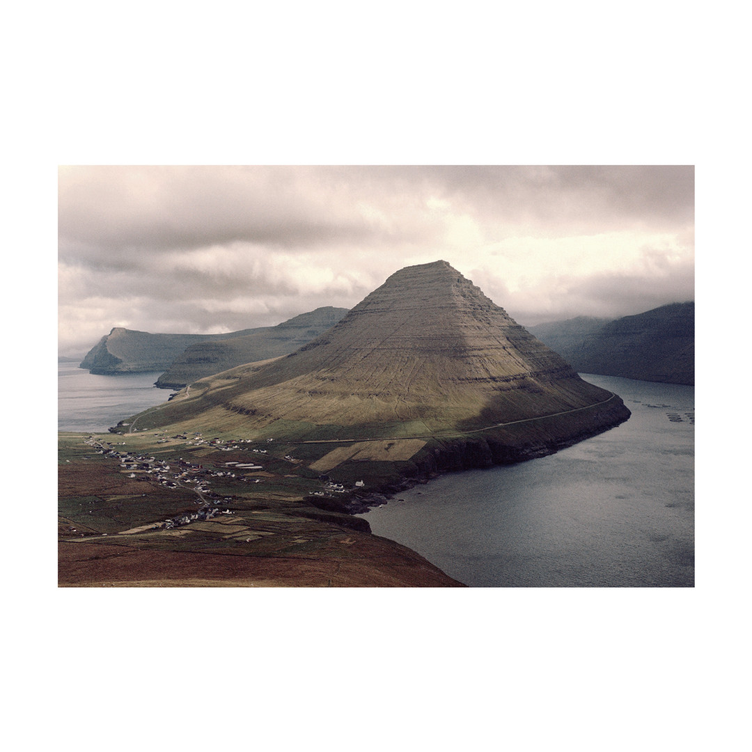 LittleVillage02_Colors_FaroeIslands_0819