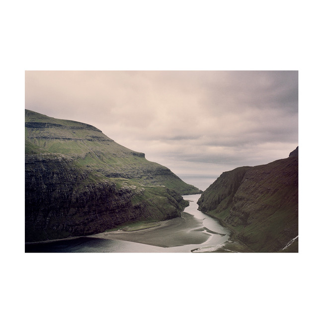 FoggyIsland08_Colors_FaroeIslands_0819_K