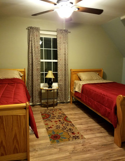 Bedroom 2 upstairs - 2 twin beds