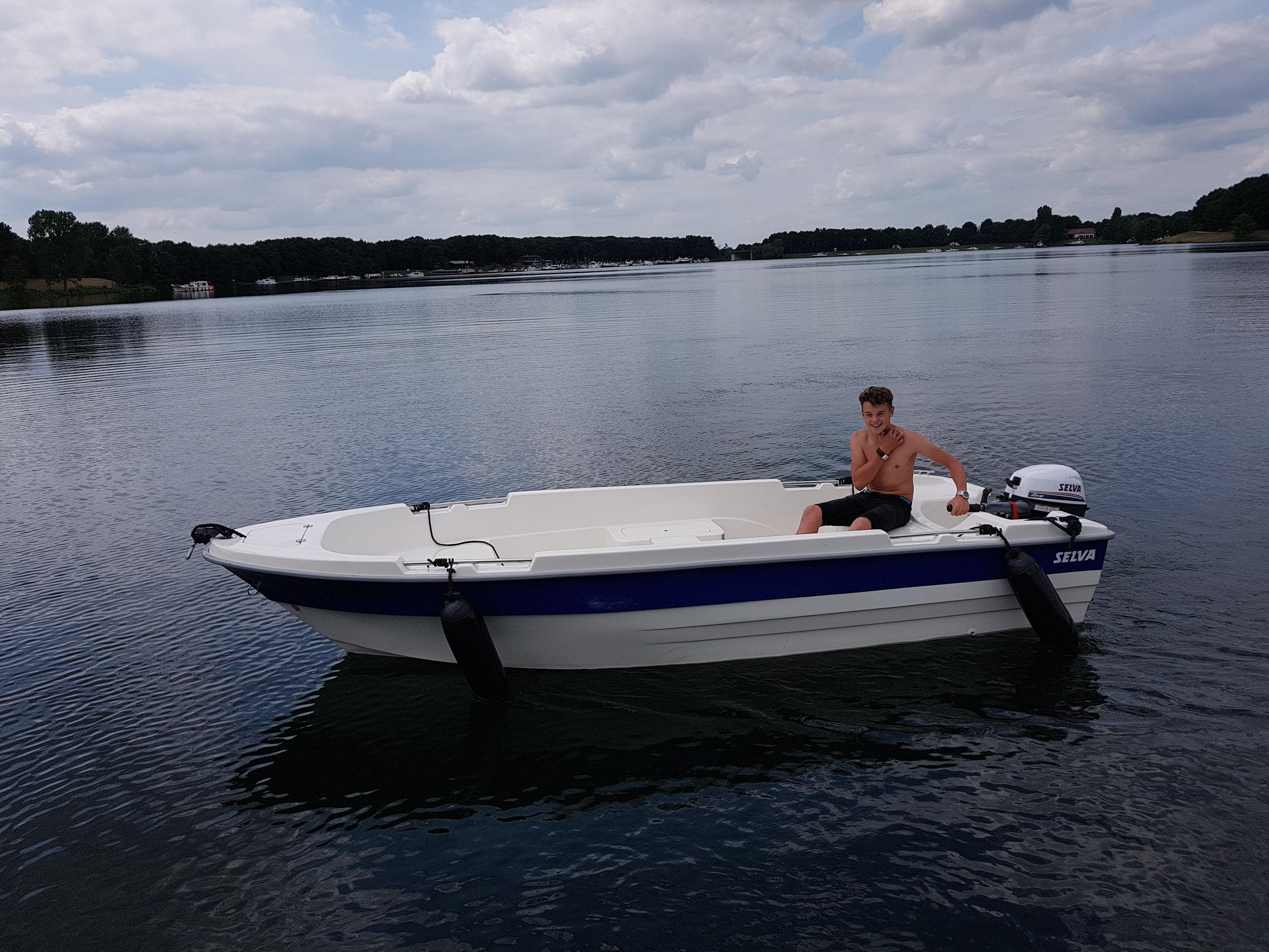 Motorboot 3