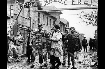 Auschwiz yahudi tutsaklar 2. Dünya savaı dönemi, Rus askerleri tarafından özgürleştirme anları