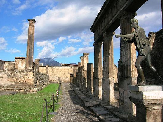 Temple di Apollo Pompei.jpg