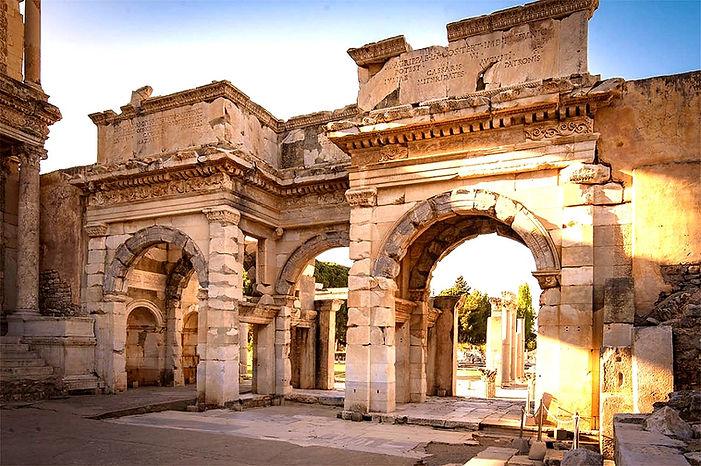 Mazaeus-Mithridates-gate-ephesus_düzenle