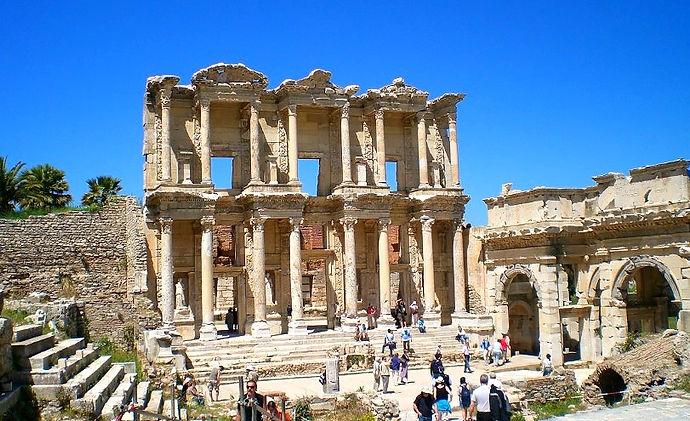 Celcus_Library_in_Ephesos_düzenlendi.jpg