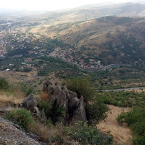 overlooking the walley from Acropol