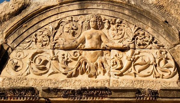 medusa_on_temple_of_hadrian_ephesus_düze