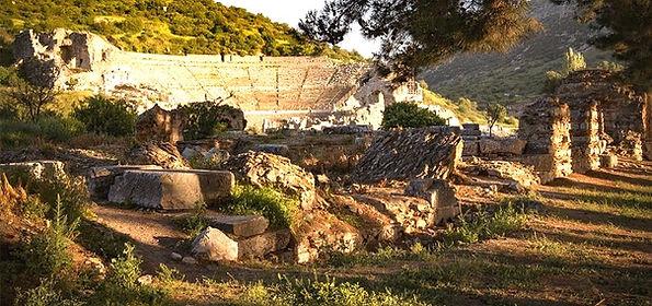 The_greaat_theater_in_Ephesus_düzenlendi